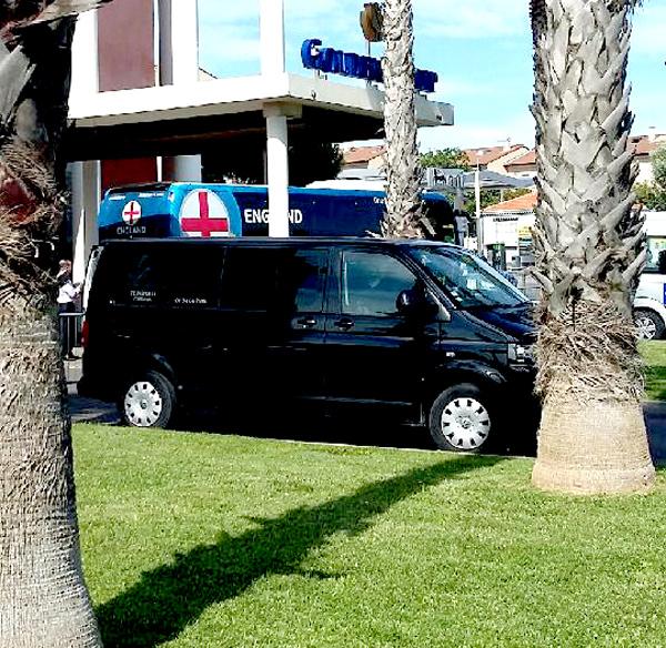 Les transports Clédana jouent l'Euro 2016 de football.